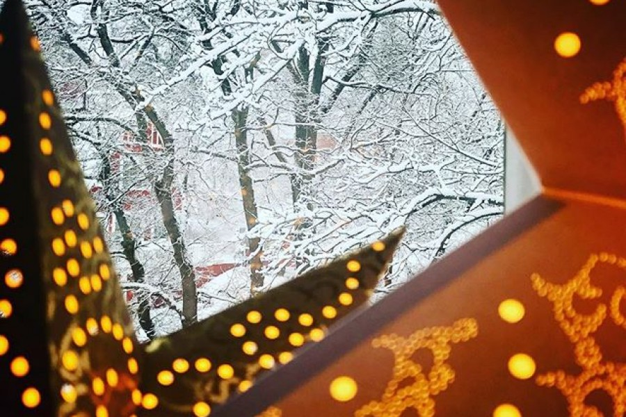 Önskar en skön söndag och en fin tredje advent! ️ Kram! #söndag #tredjeadvent #snö #vintervitt #adventsstjärna #kram