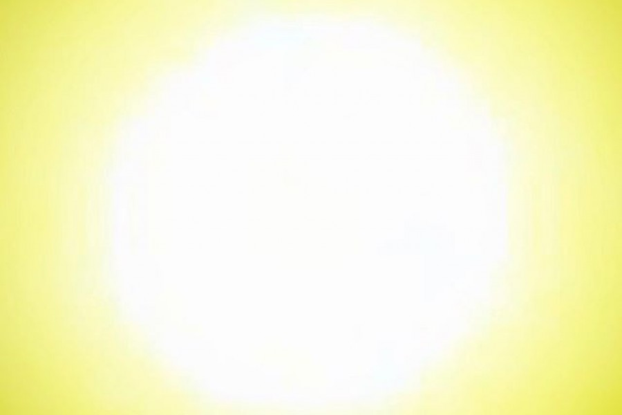 """Vi går mot ljusare tider men det känns fortfarande rätt mörkt och dagarna är korta. Därför kommer här lite ljusterapi i form av en närbild på solen! """"Sol ute, sol inne, sol i hjärta, sol i sinne."""" Önskar en fin dag! Kram ️#sol #ljus #värme #kärlek #kram"""